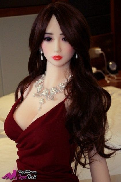 Ayana is a VIP Tpe Doll for sex trips on first class